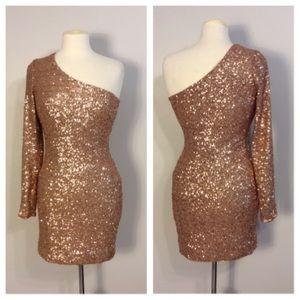 Ark & Co NWT Rose Gold Sequin One Shoulder dress M